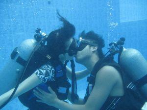 kissing underwater
