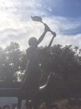 the waving girl in savannah