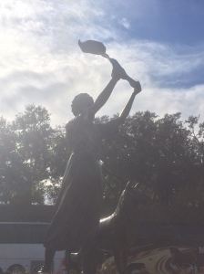 the waving girl in savannah
